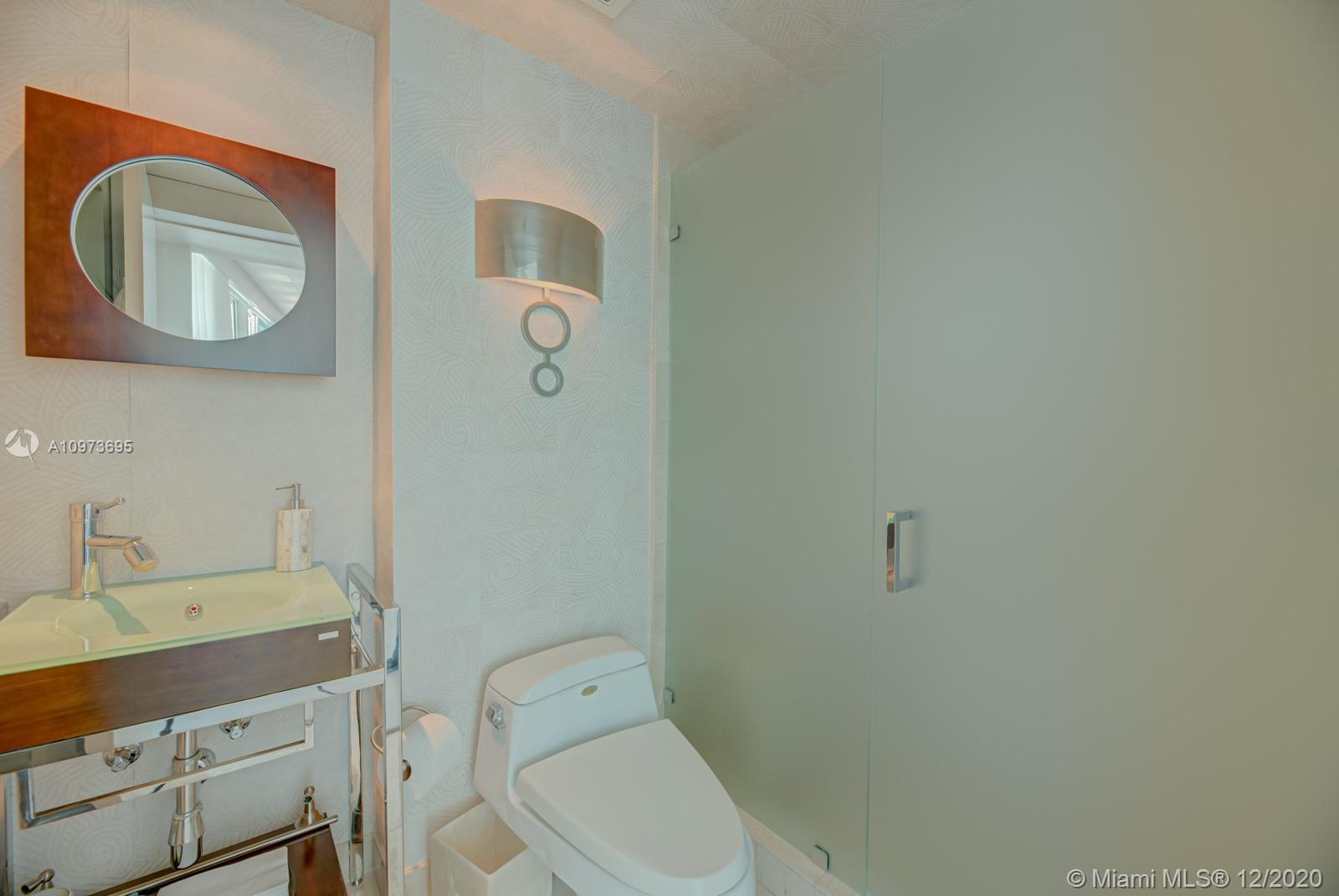 1000 S Pointe Dr #1504 photo015