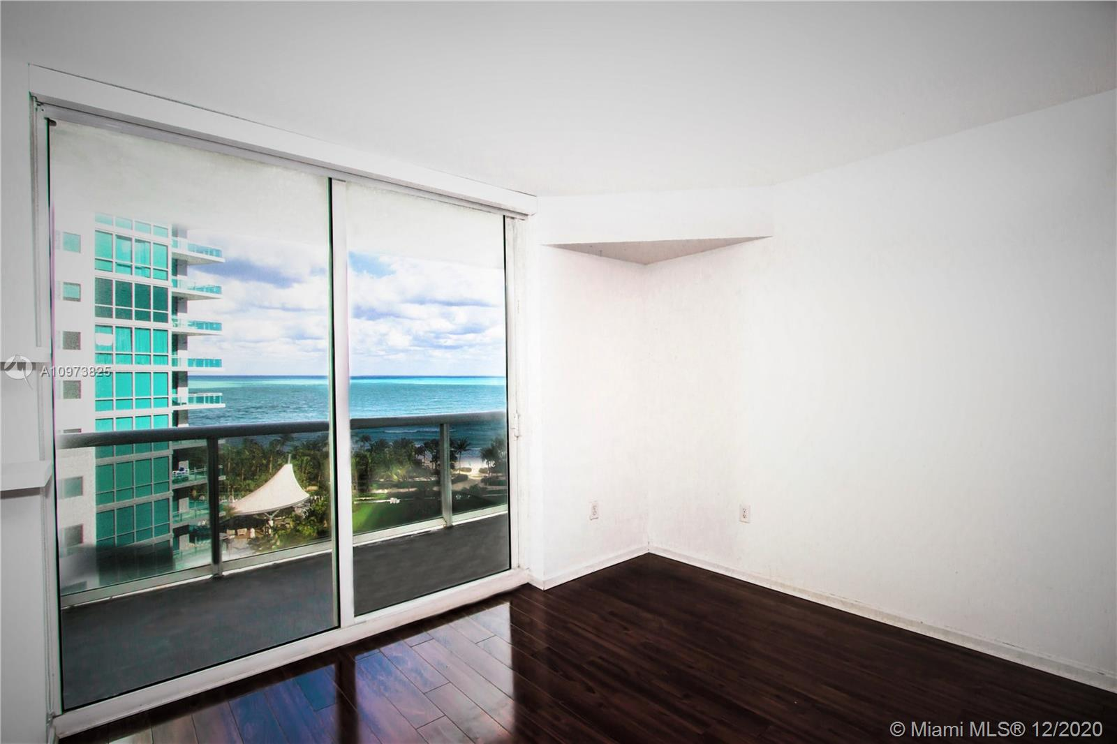 10275 Collins Ave #933 photo021