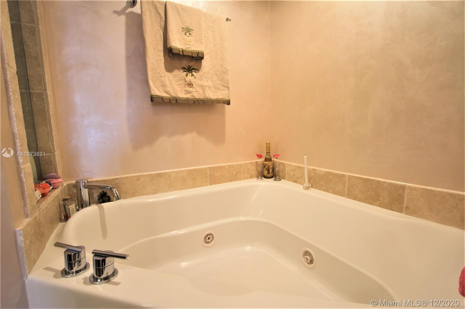 18201 Collins Ave #503 photo029