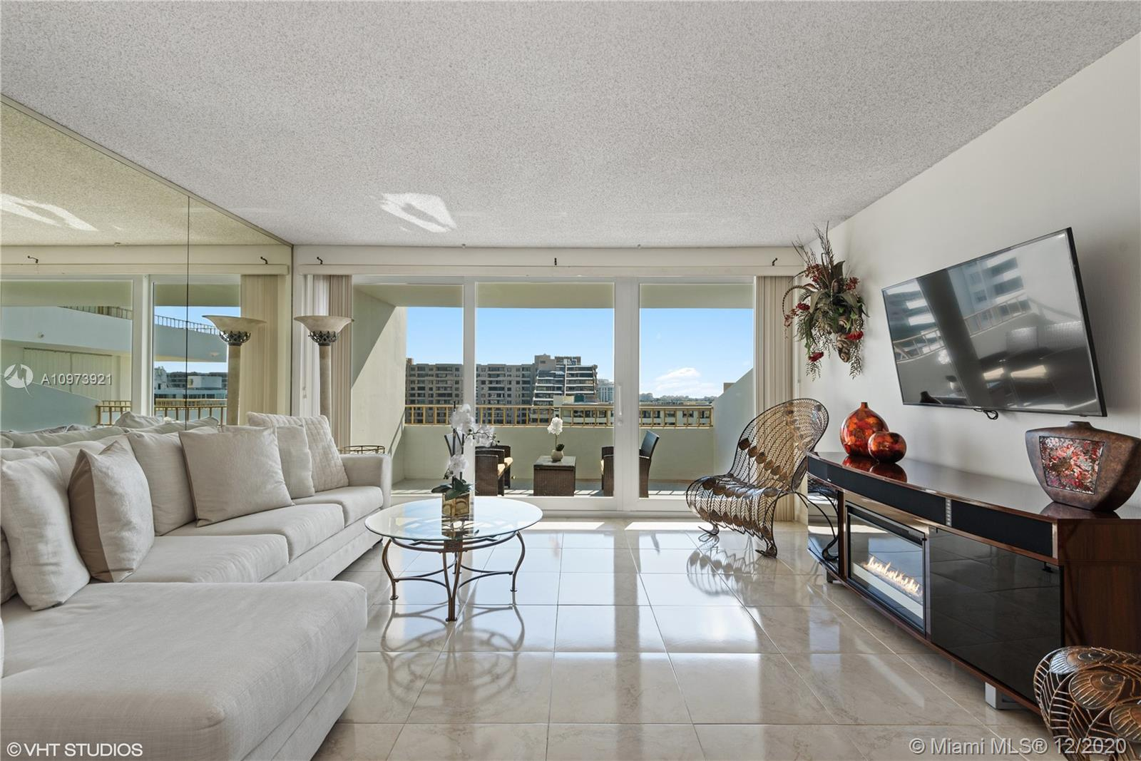 Commodore Club West #1011 - 155 Ocean Lane Dr #1011, Key Biscayne, FL 33149