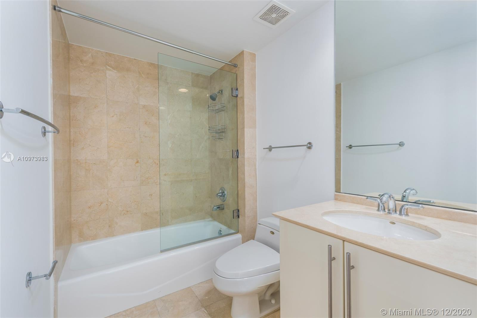1000 S Pointe Dr #2603 photo024