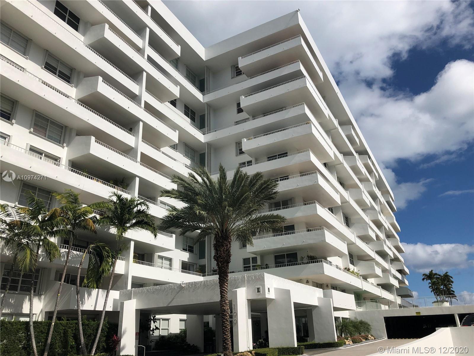 Commodore Club South #911 - 199 Ocean Lane Dr #911, Key Biscayne, FL 33149
