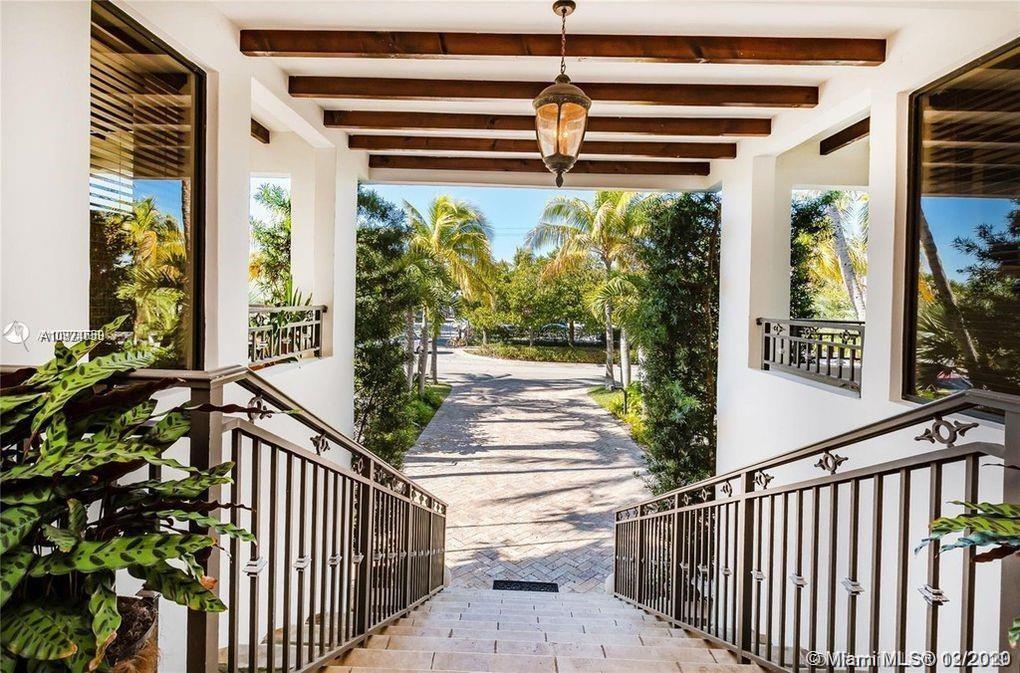 Tropical Isle Homes # photo06