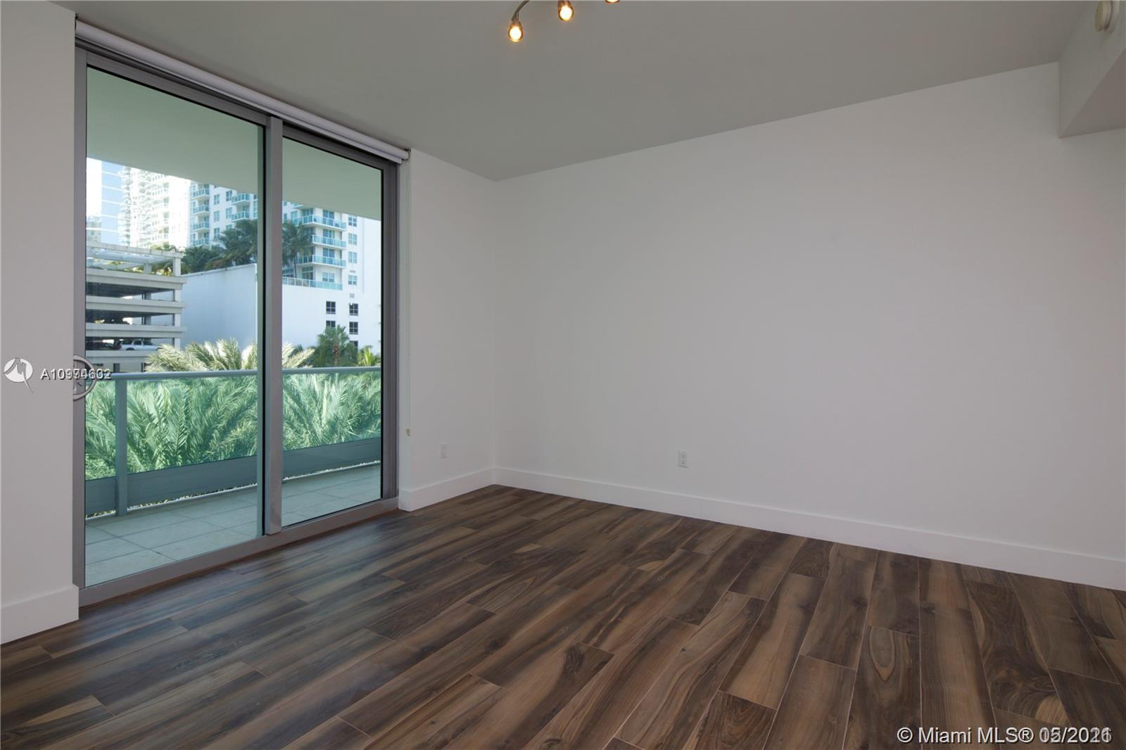 1331 Brickell Bay Dr #402 photo017
