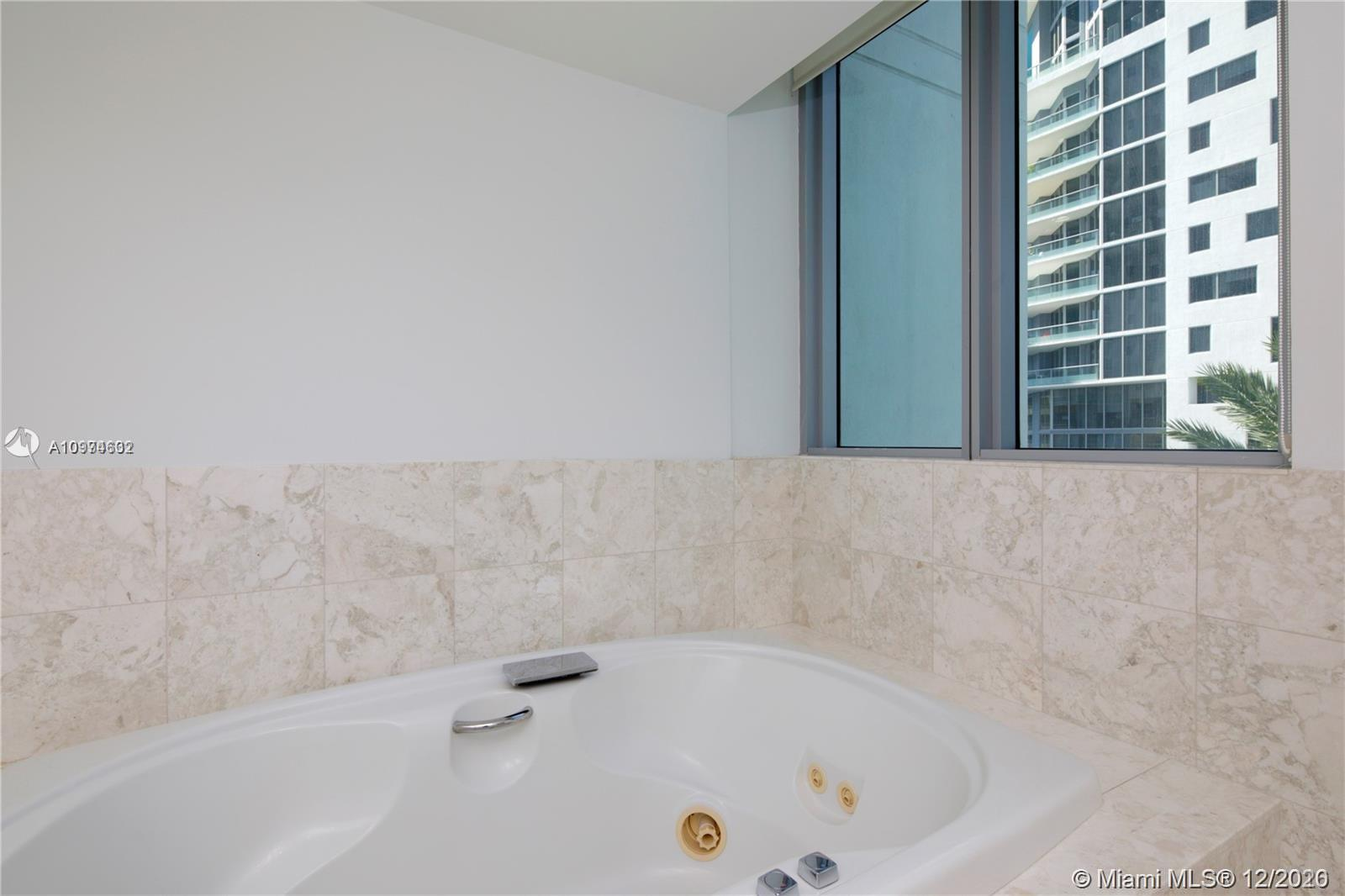 1331 Brickell Bay Dr #402 photo016