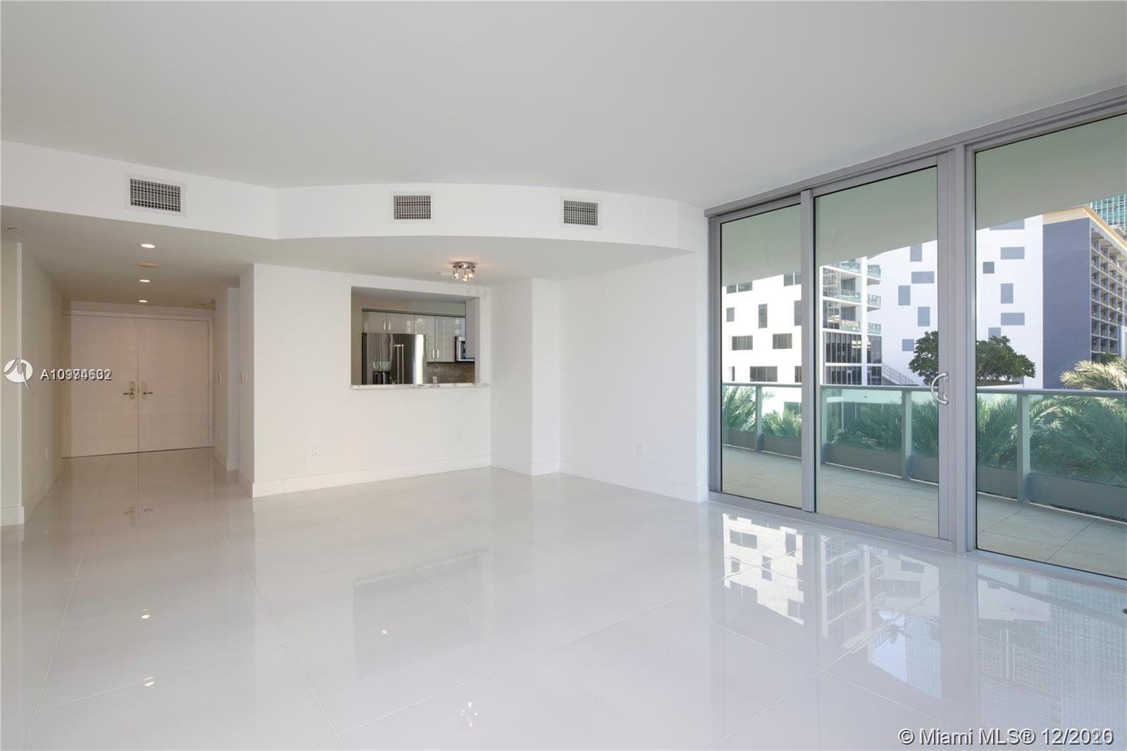 1331 Brickell Bay Dr #402 photo03