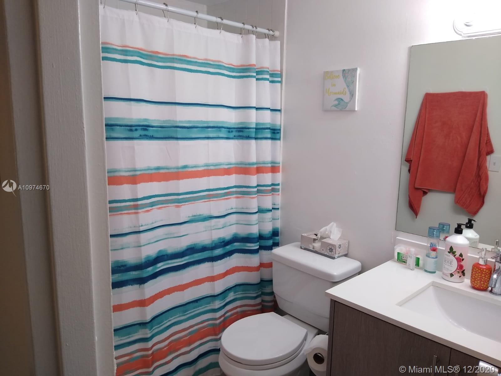 801 Brickell Bay Dr #463 photo010
