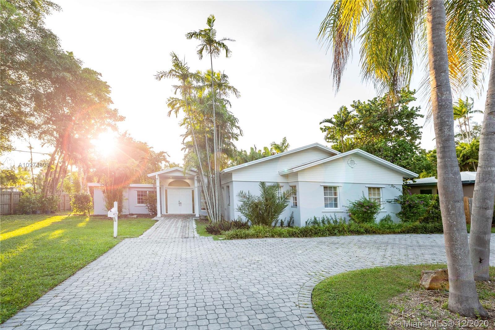 South Miami - 5451 SW 80th St, Miami, FL 33143