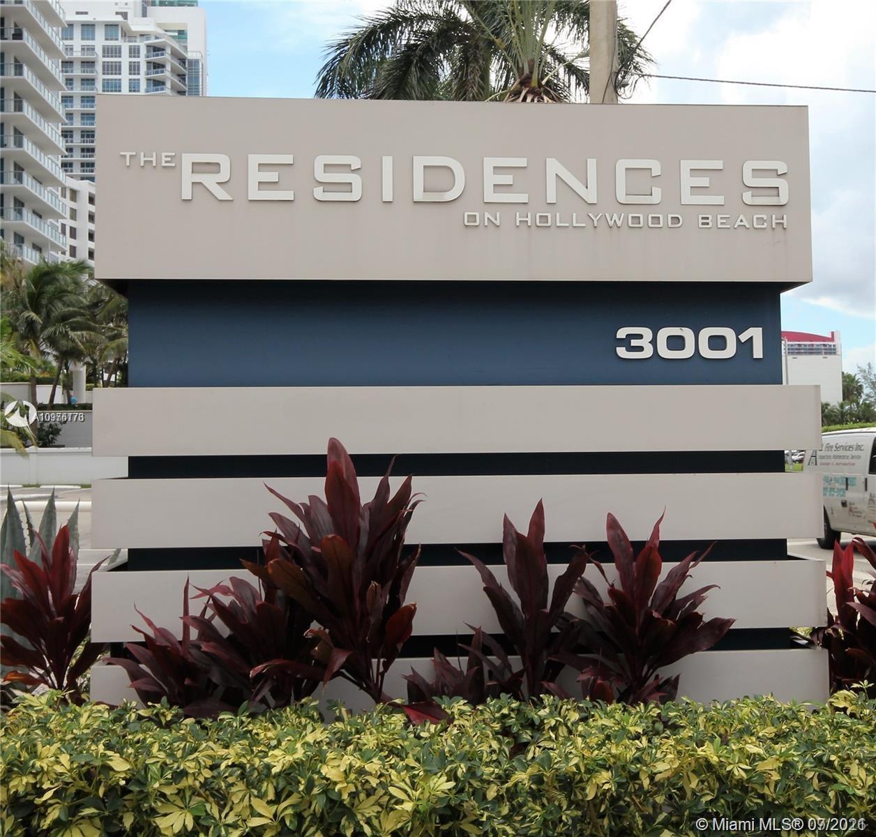 Residences on Hollywood #339 photo03