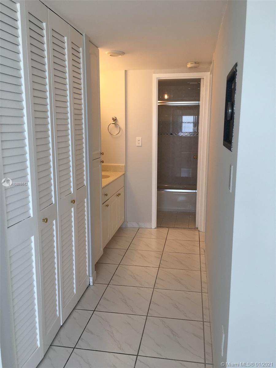 5701 Collins Ave #306 photo010