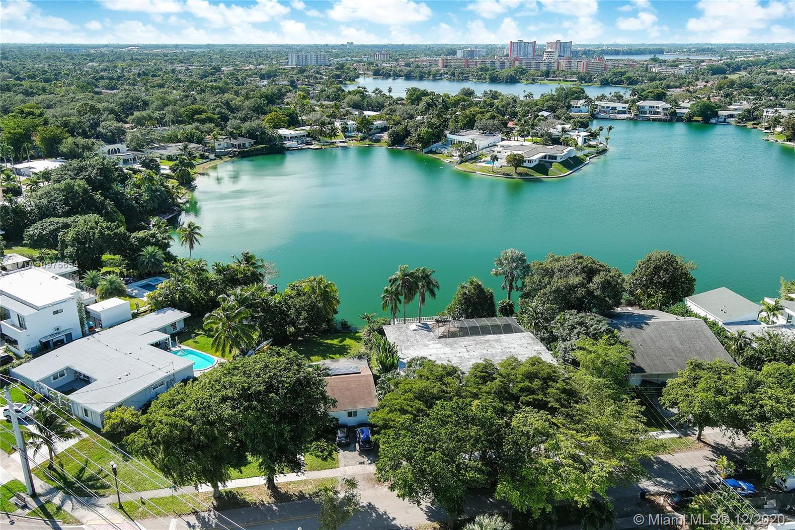 Sky Lake - 19360 NE 22nd Rd, North Miami Beach, FL 33179