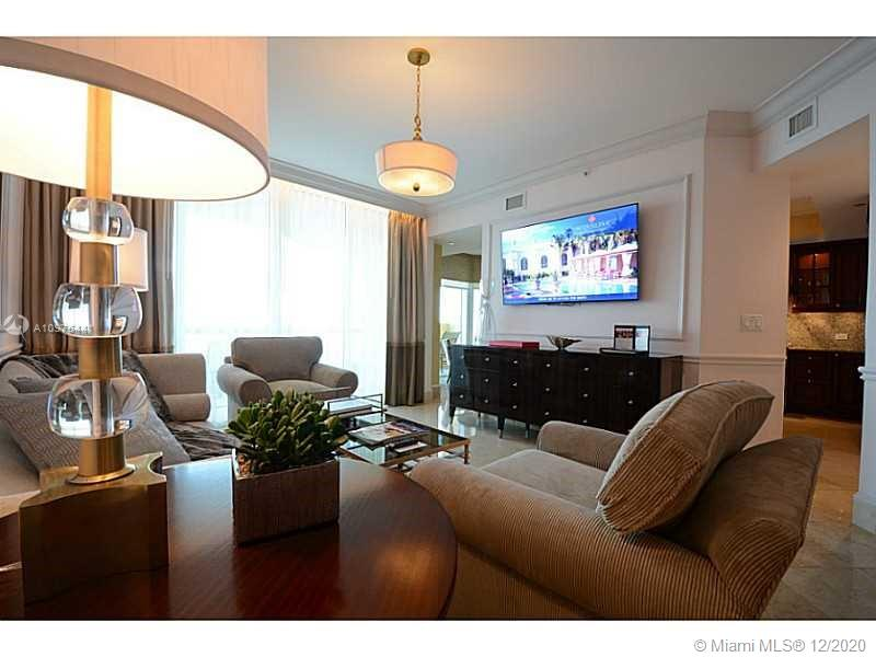 17875 Collins Ave #2503 photo05
