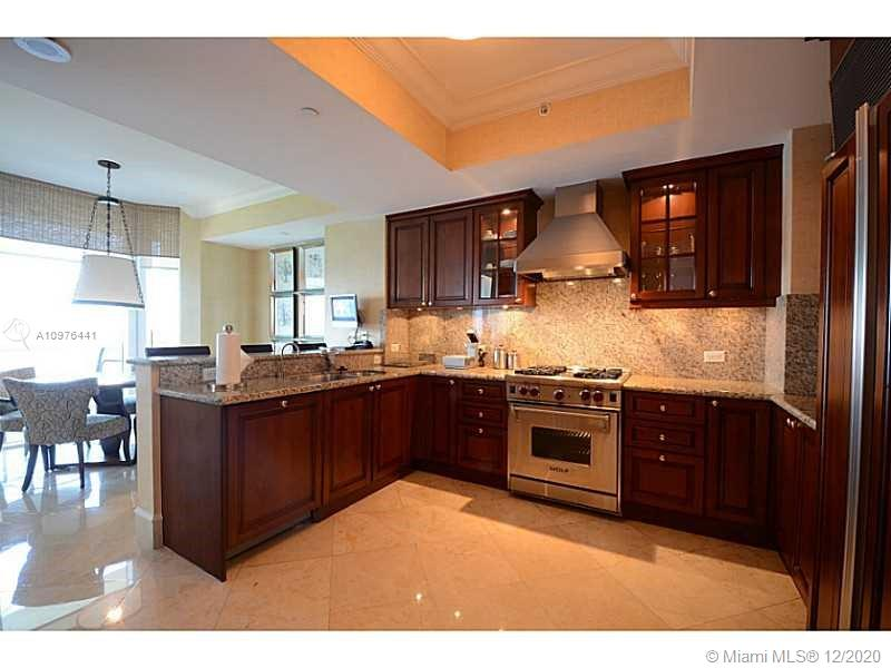 17875 Collins Ave #2503 photo09