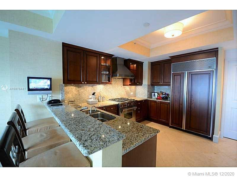 17875 Collins Ave #2503 photo010