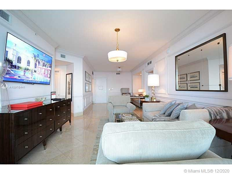 17875 Collins Ave #2503 photo04