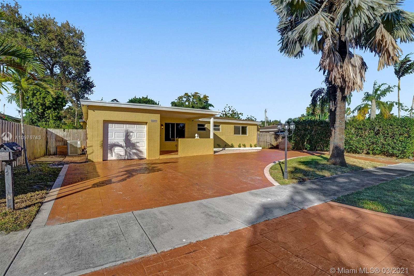 Property for sale at 3201 SW 21st St, Fort Lauderdale,  Florida 33312