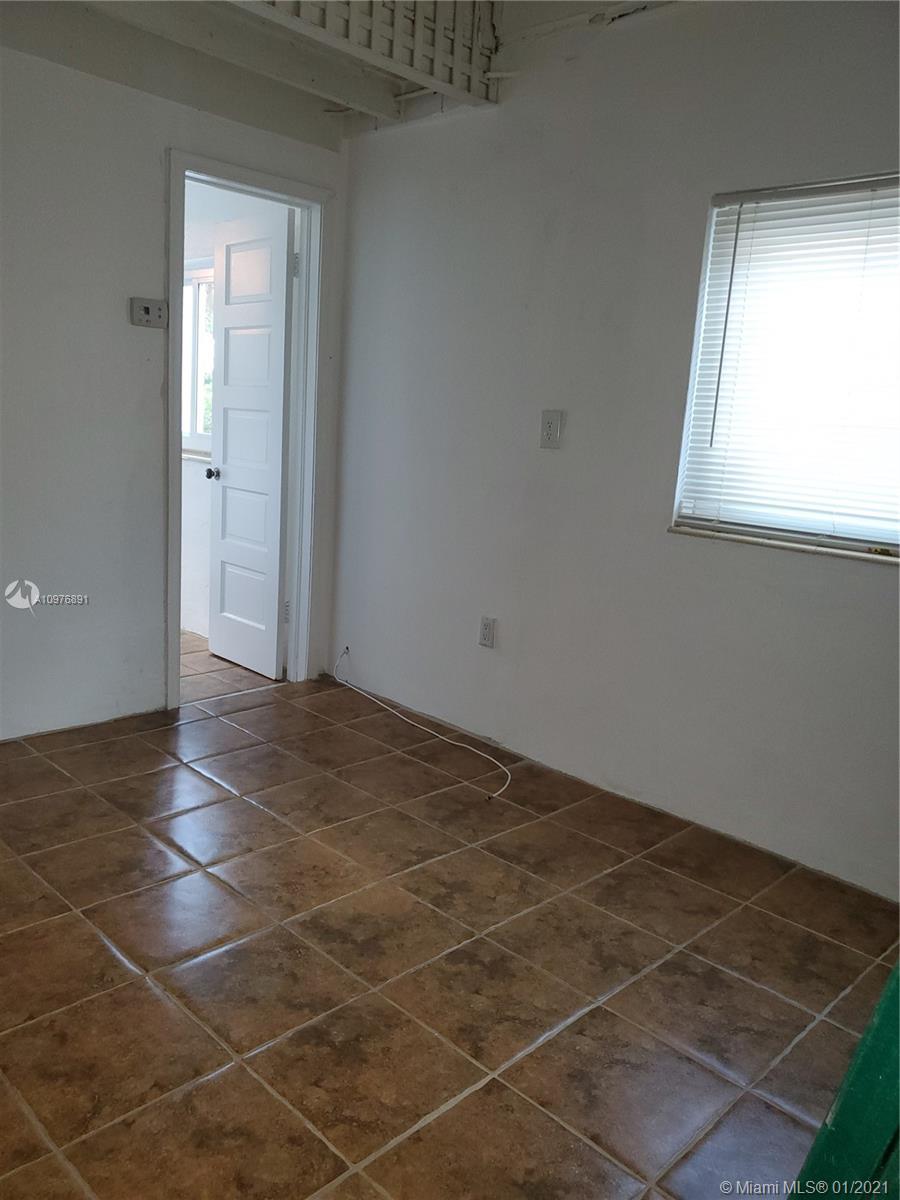 8846 Harding Ave photo039