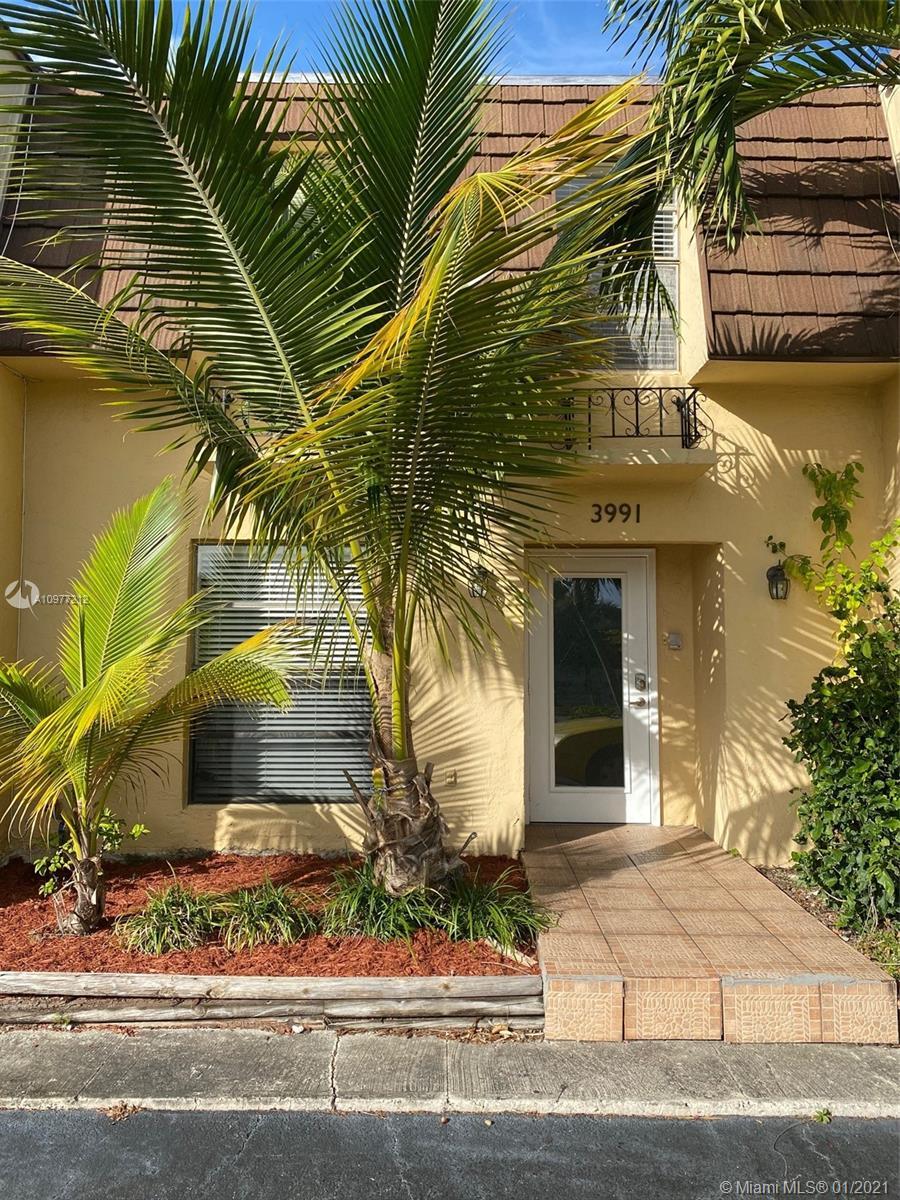 North Miami Beach #8 - 01 - photo