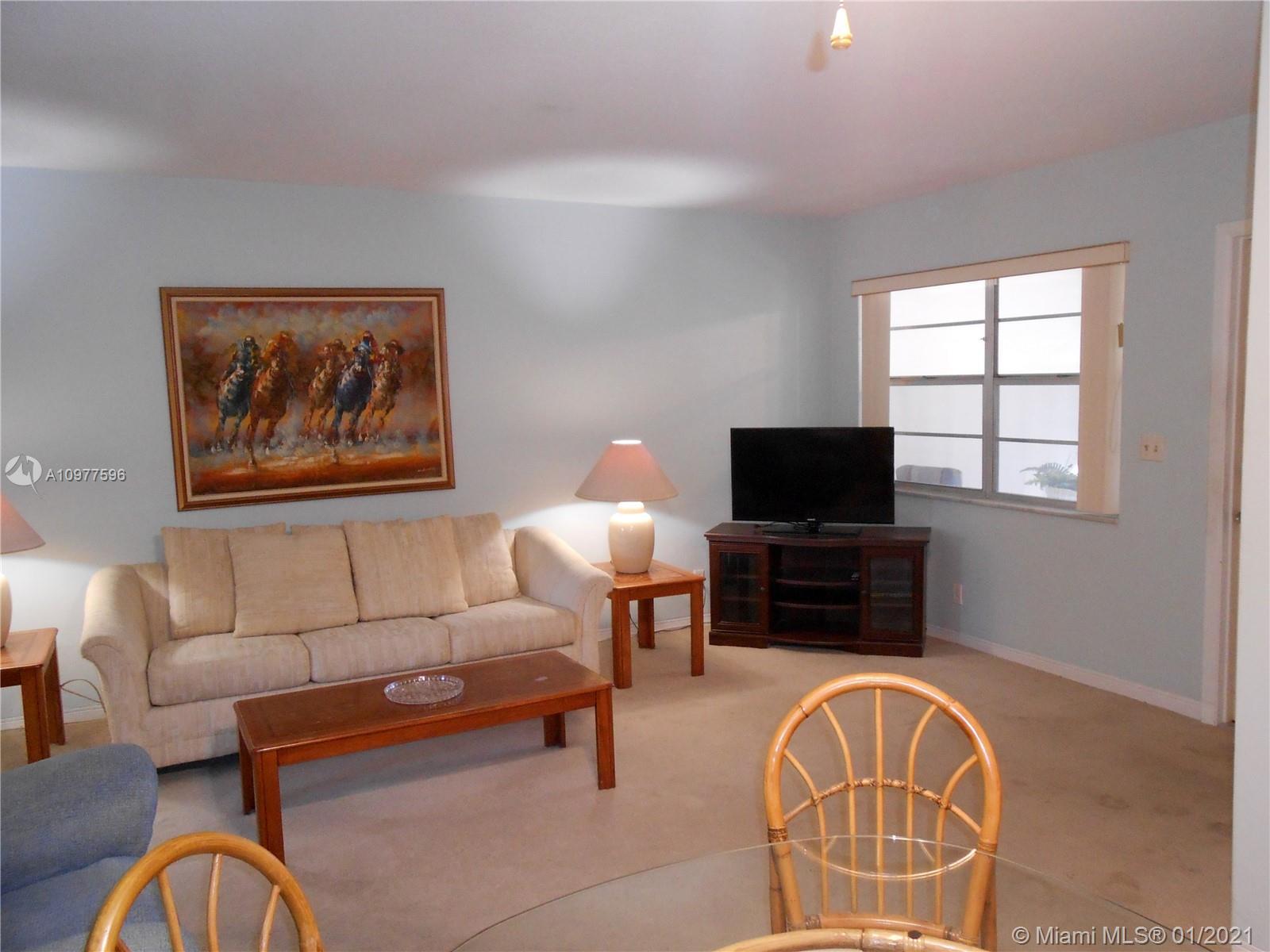 581 Blue Heron Dr # B, Hallandale Beach, Florida 33009, 1 Bedroom Bedrooms, ,1 BathroomBathrooms,Residential,For Sale,581 Blue Heron Dr # B,A10977596