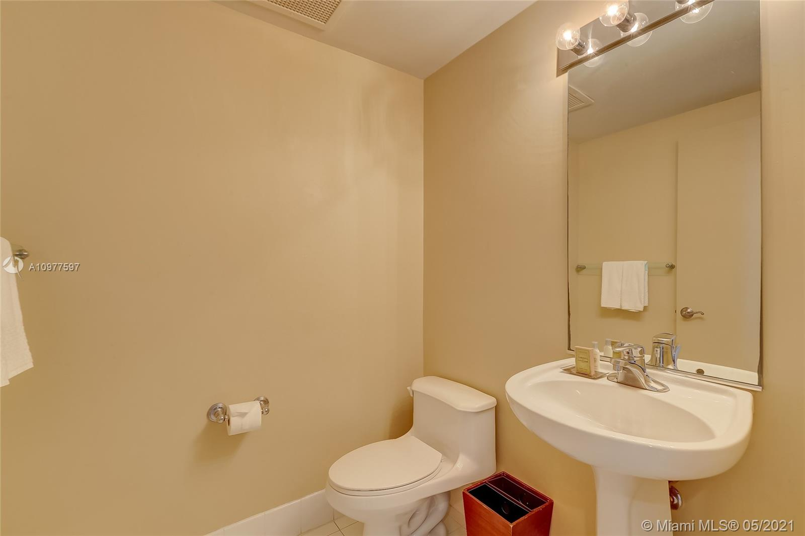 17375 Collins Ave #2501 photo019