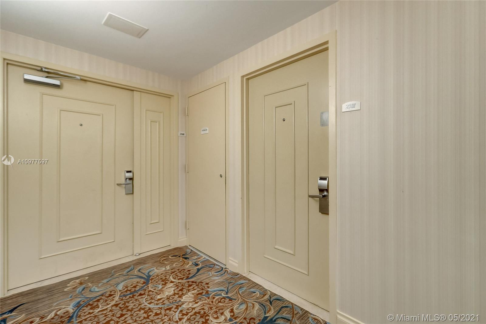 17375 Collins Ave #2501 photo021