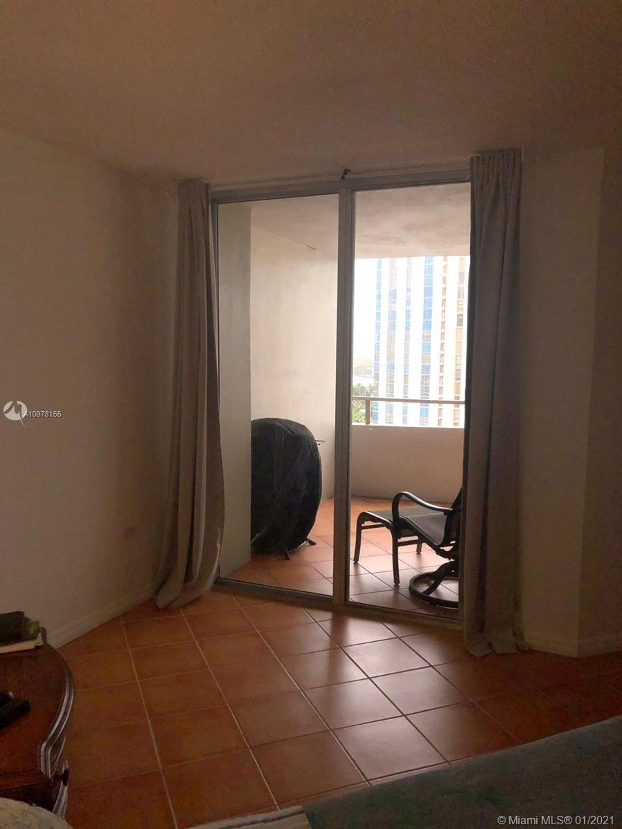 5555 Collins Ave #14A photo025