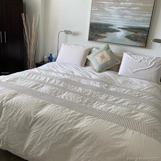 10275 Collins Ave #614 photo08