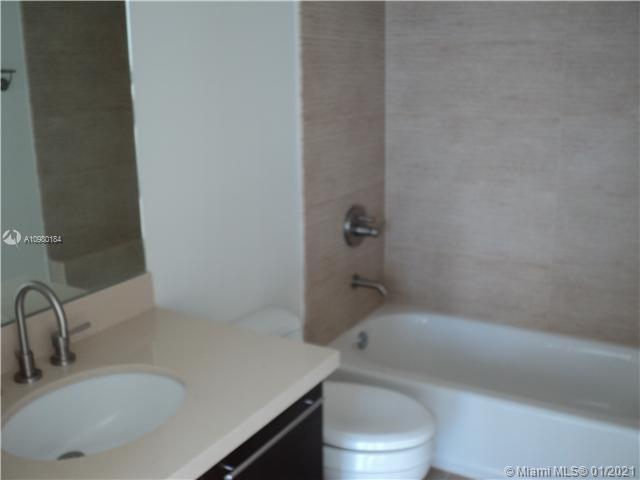 7928 East Dr #403 photo07