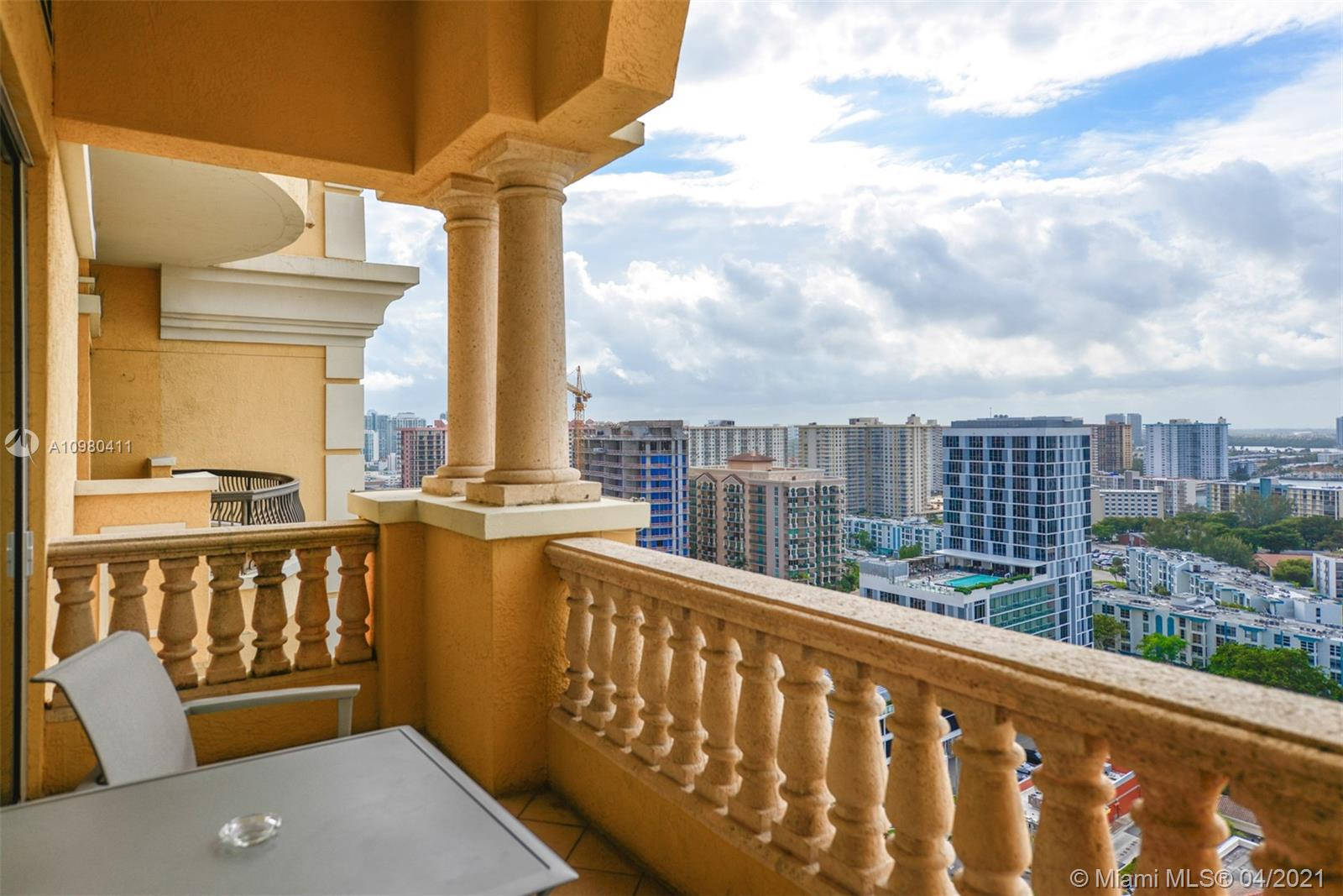 17875 Collins Ave #2110 photo02