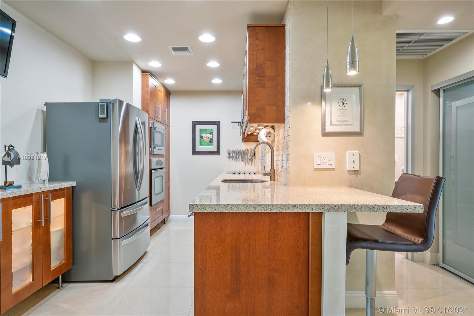 Arlen House #102 - 300 Bayview Dr #102, Sunny Isles Beach, FL 33160