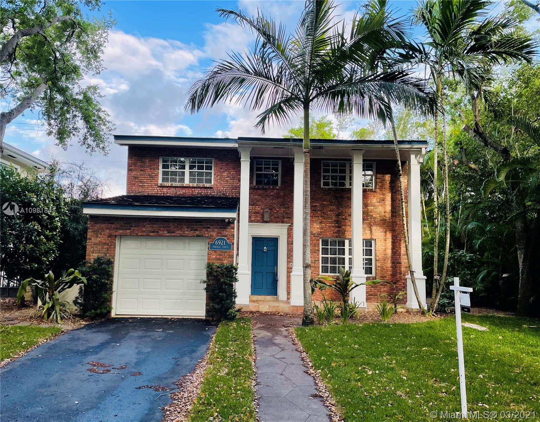 South Miami - 6921 Portillo St, Coral Gables, FL 33146