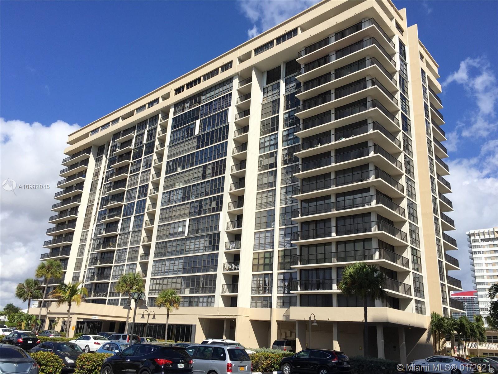 Avant Garde One #305 - 2017 S Ocean Dr #305, Hallandale Beach, FL 33009