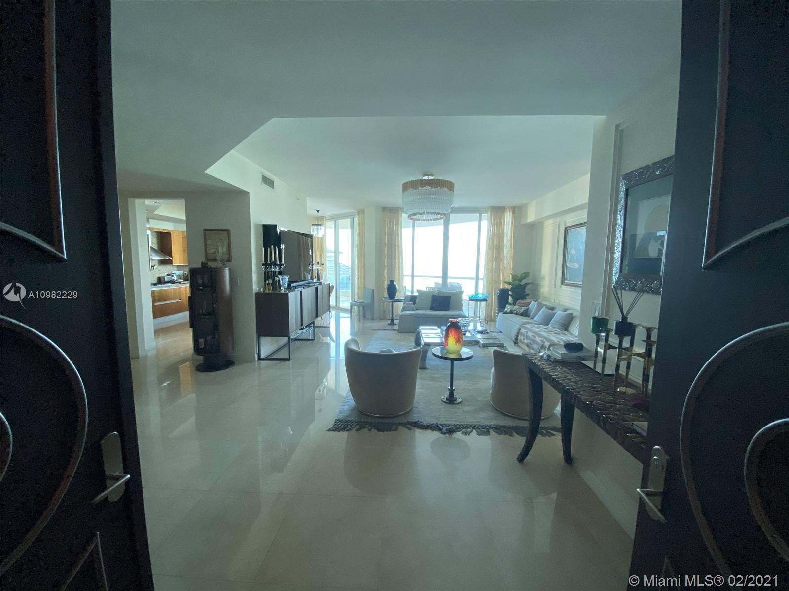 16047 Collins Ave #501 photo03