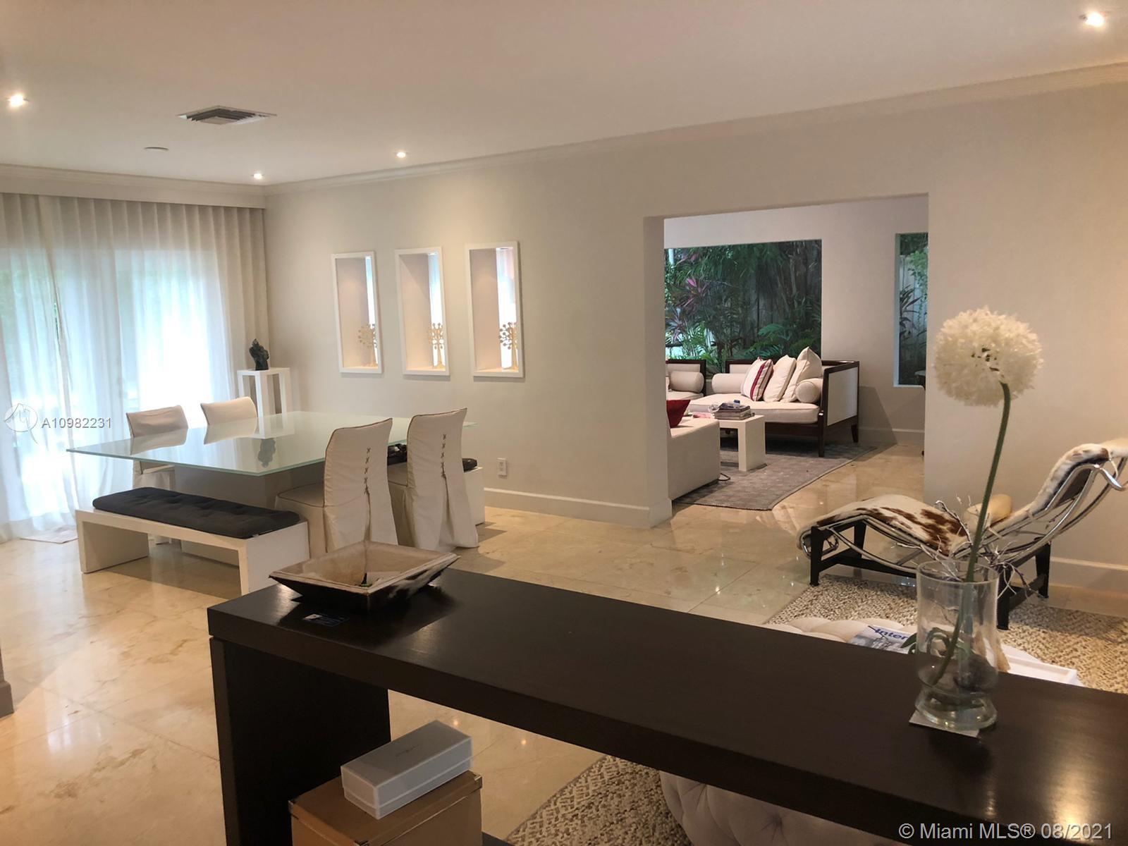 Tropical Isle Homes - 390 Heather Ln, Key Biscayne, FL 33149