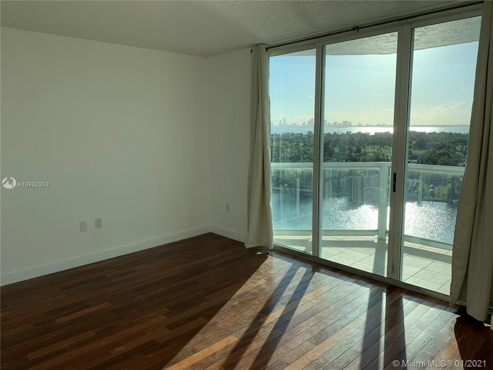 5900 Collins Ave #1503 photo06
