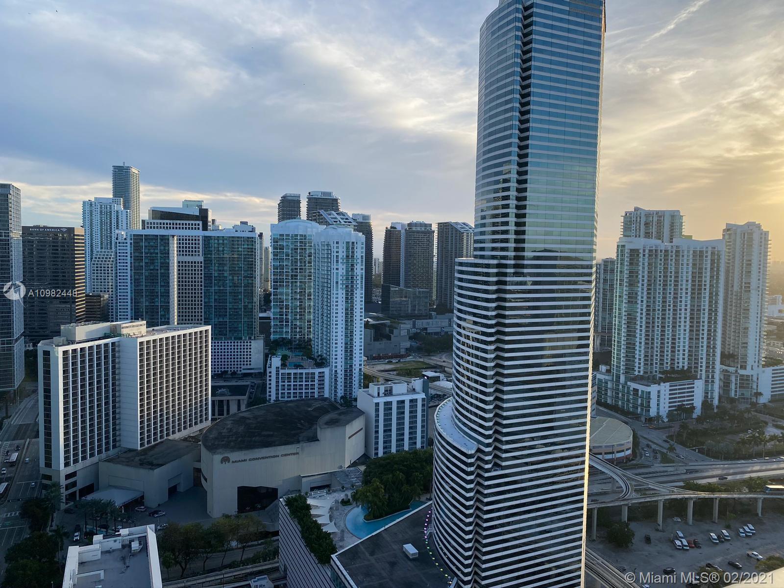 Centro #PH05 - 151 SE 1st St #PH05, Miami, FL 33131