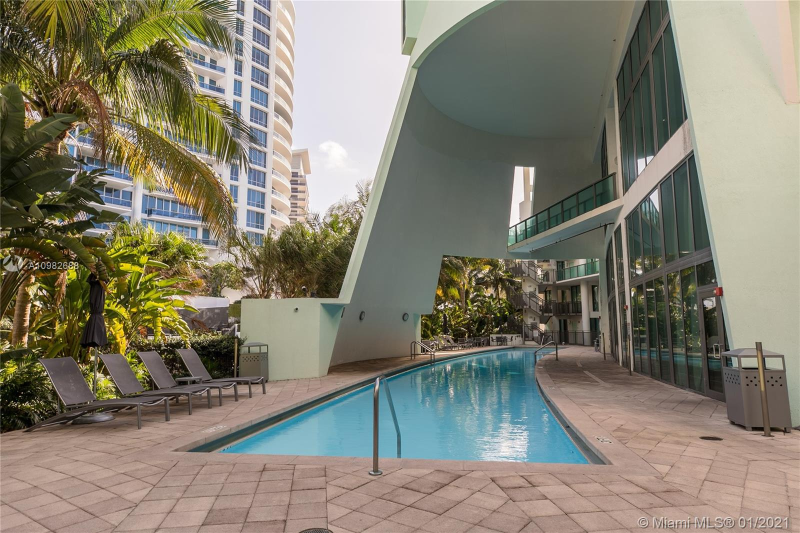 6000 Collins Ave # 124, Miami Beach, Florida 33140, 2 Bedrooms Bedrooms, ,2 BathroomsBathrooms,Residential,For Sale,6000 Collins Ave # 124,A10982688