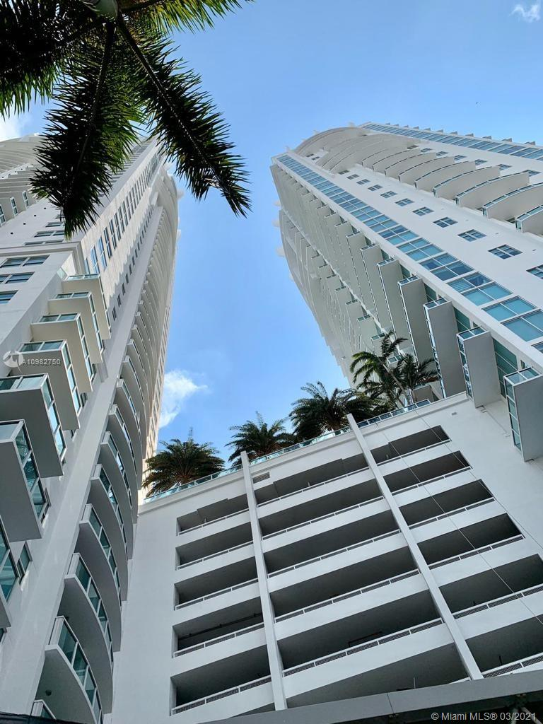 Brickell on the River North Tower #305 - 31 SE 5 St #305, Miami, FL 33131