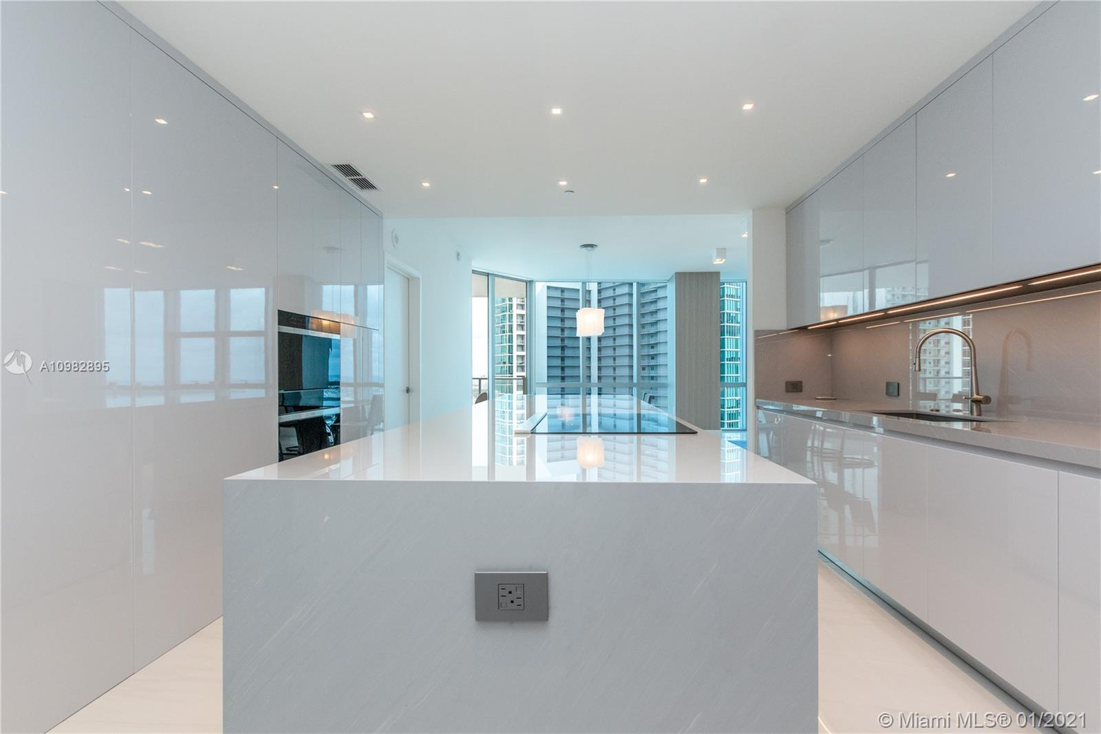 Paramount Miami Worldcenter #3805 photo07