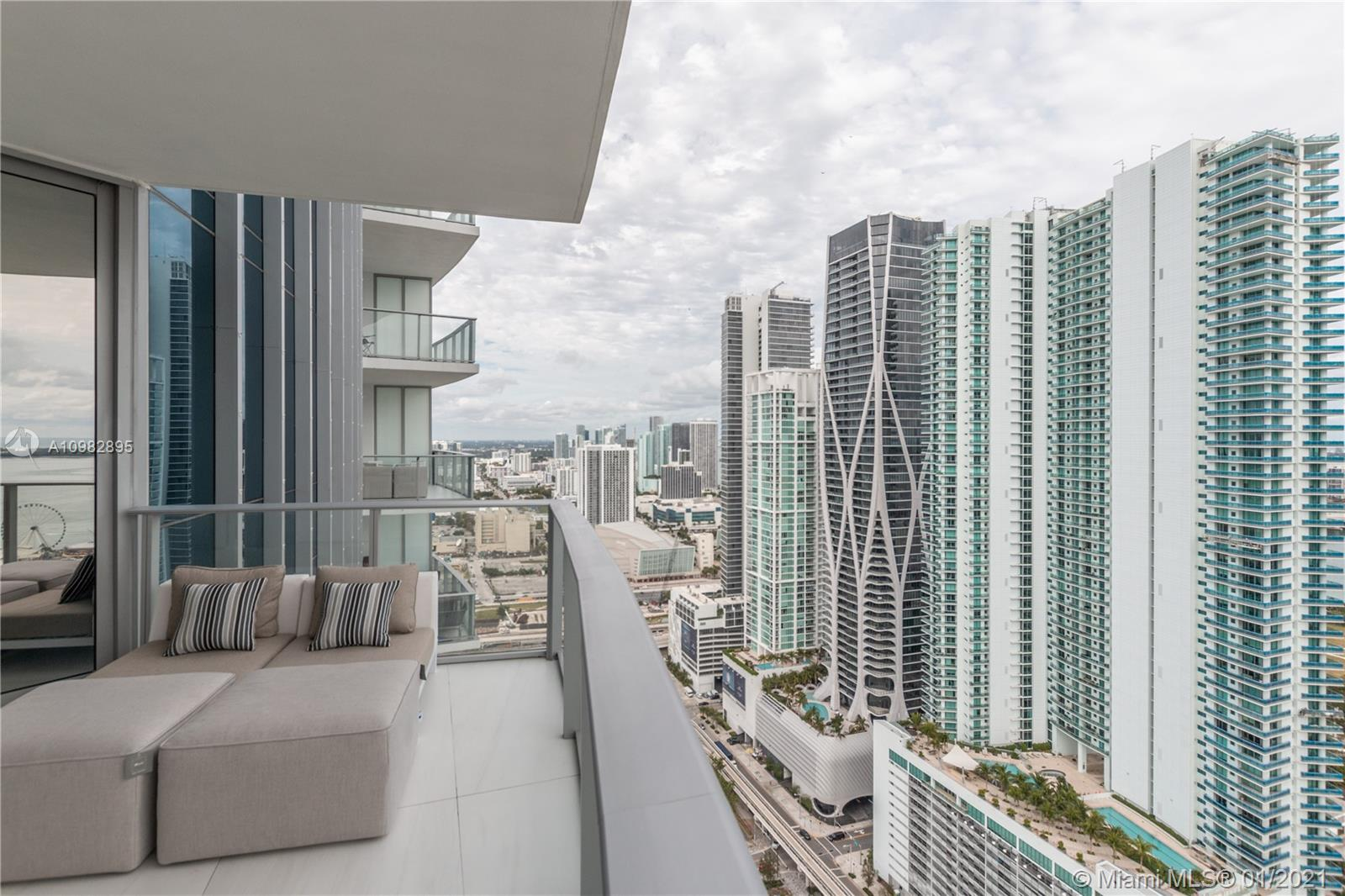 Paramount Miami Worldcenter #3805 photo41