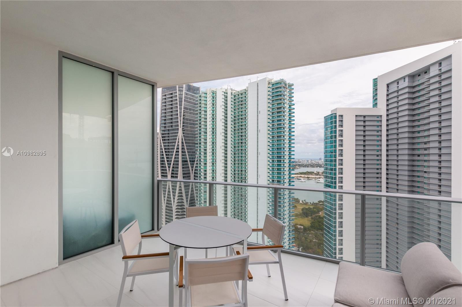 Paramount Miami Worldcenter #3805 photo37