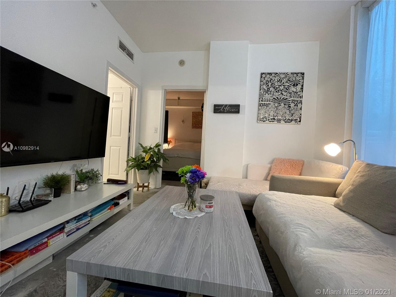 275 NE 18th St # 406, Miami, Florida 33132, 1 Bedroom Bedrooms, ,1 BathroomBathrooms,Residential,For Sale,275 NE 18th St # 406,A10982914