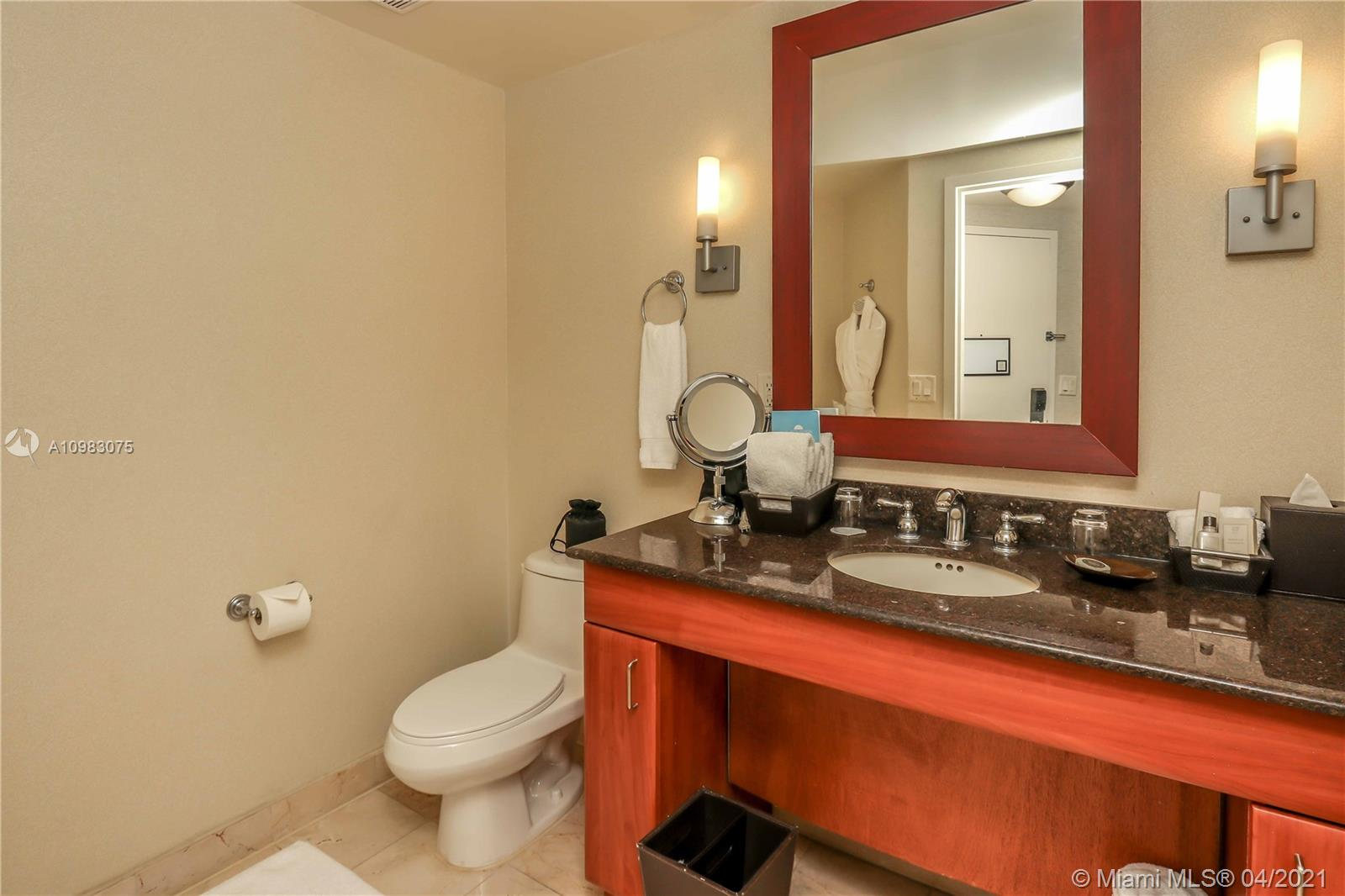 18001 Collins Ave #802 photo04