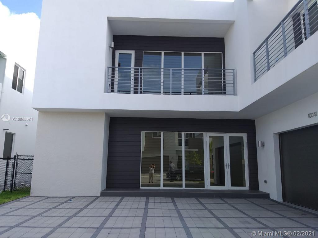 Doral Commons Residential # photo02