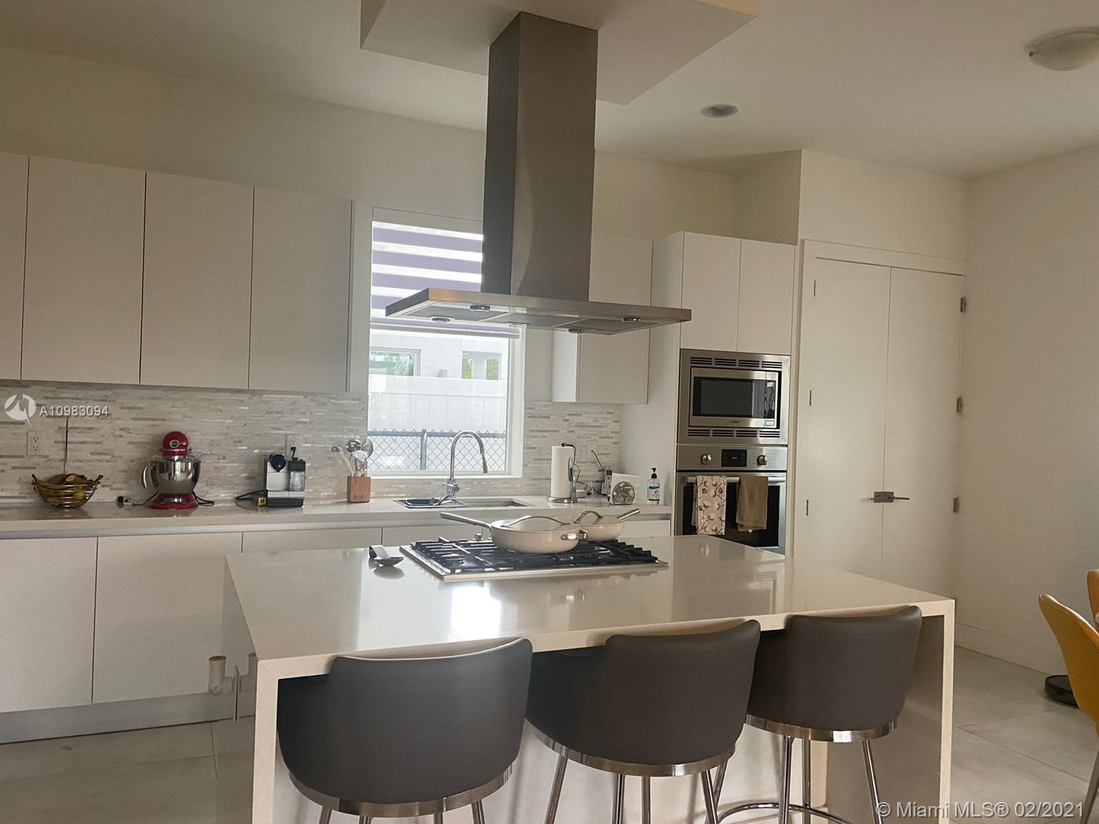 Doral Commons Residential # photo06