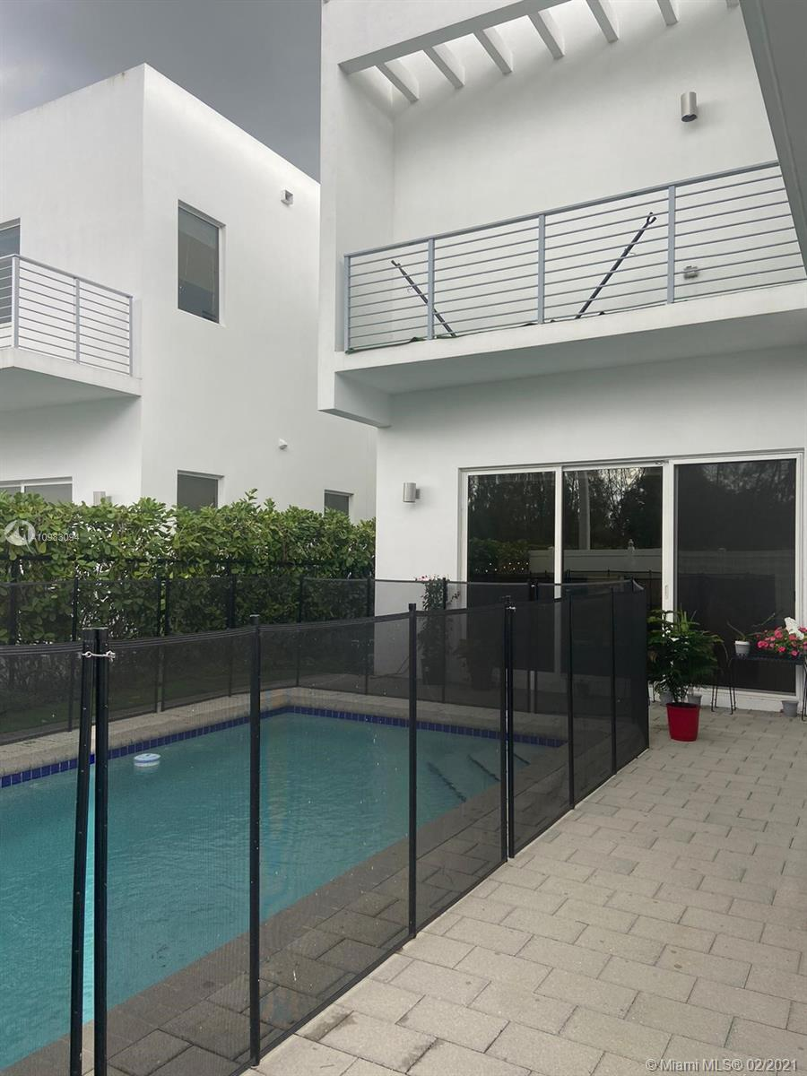 Doral Commons Residential # photo30