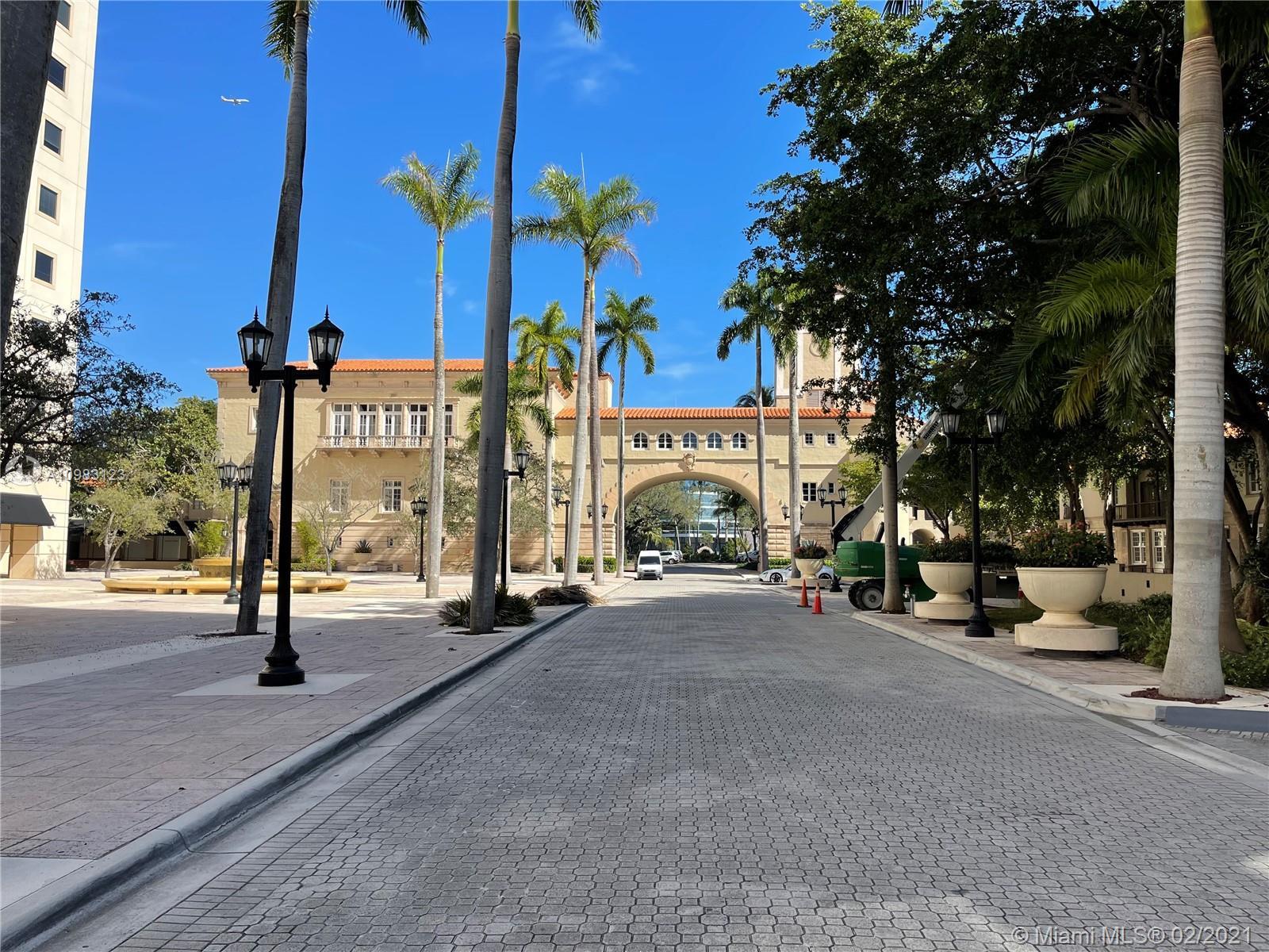 Puerta De Palmas #814 - 888 S Douglas Rd #814, Coral Gables, FL 33134