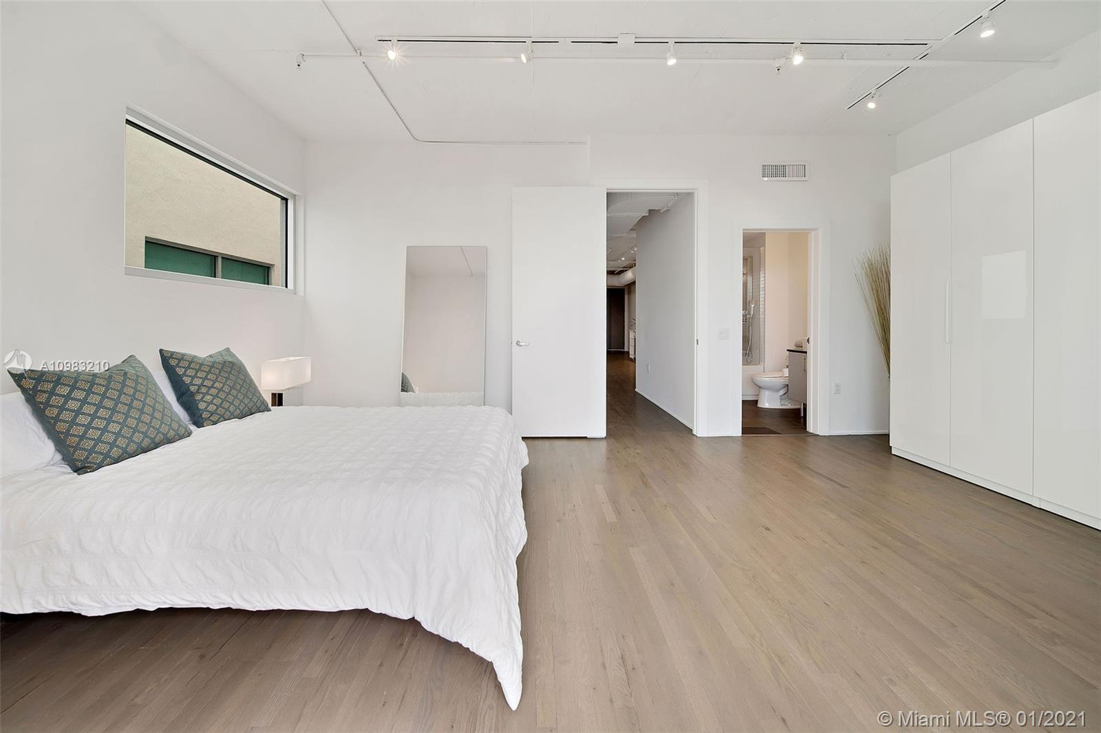 1700 Meridian Ave # 404, Miami Beach, Florida 33139, 2 Bedrooms Bedrooms, ,2 BathroomsBathrooms,Residential,For Sale,1700 Meridian Ave # 404,A10983210