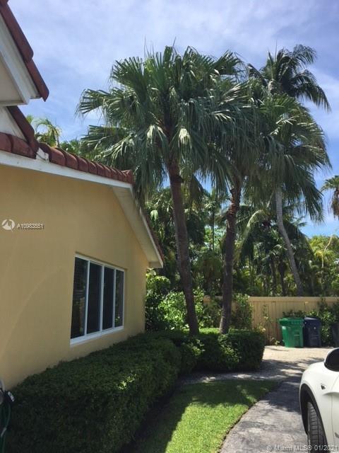 Tropical Isle Homes # - 27 - photo
