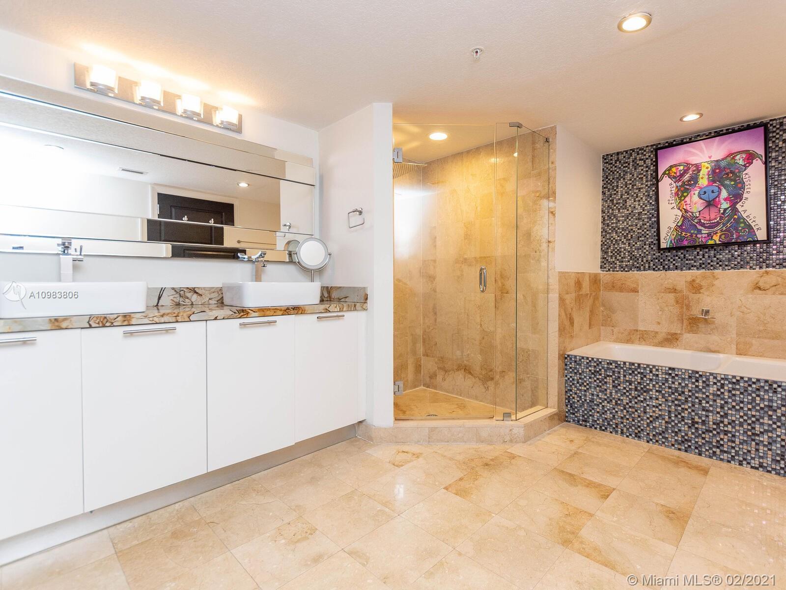 1800 N Bayshore Dr # 3414, Miami, Florida 33132, 2 Bedrooms Bedrooms, ,2 BathroomsBathrooms,Residential,For Sale,1800 N Bayshore Dr # 3414,A10983806